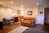 Bright Fairview Guest Suite
