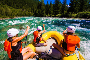 Rafting with a guide down a Kootenays river