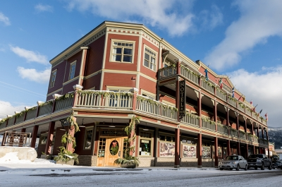 The Kaslo Hotel in the snow.