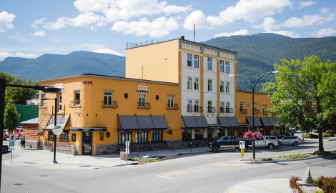 The outside of the Adventure Hotel building on Vernon Street in Nelson,BC